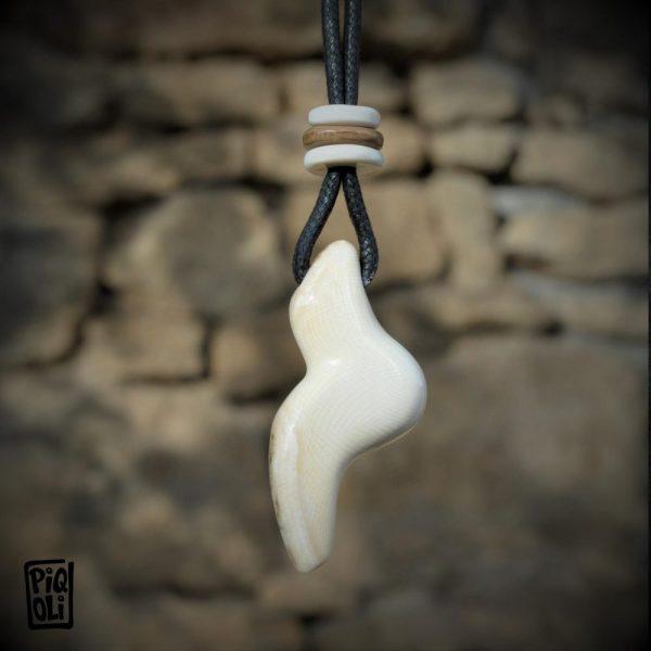 Vénus Magdalénienne - reproduction en ivoire de mammouth - inspirée de celles de Monruz et Petersfels