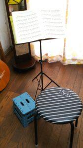 譜面台、足台、椅子