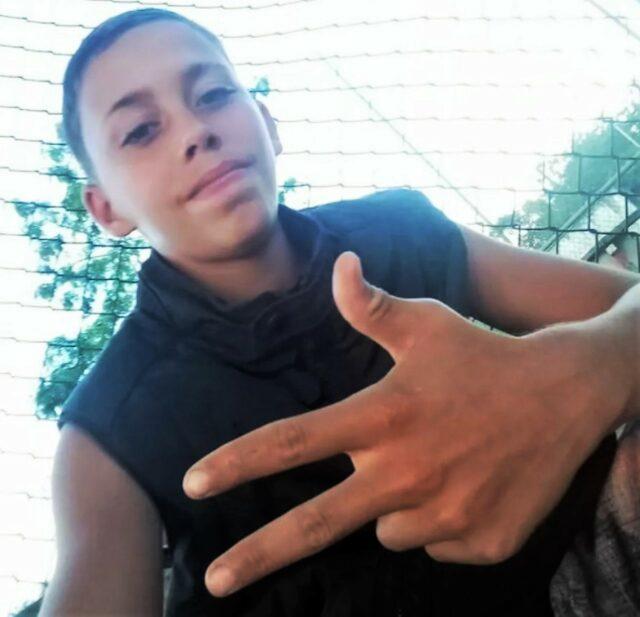 Uma foto de Iury Júnior Pereira Silva encontrado morto e enterrado em um quintal
