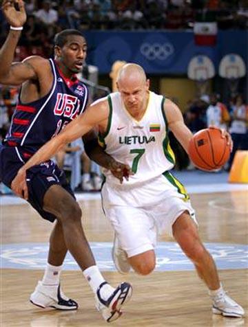 stombergas con la selección lituana