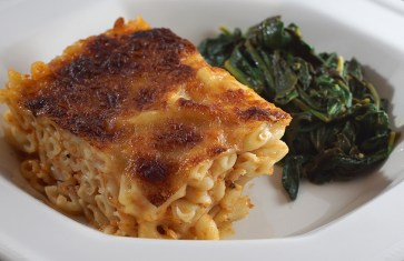 Baked mac-n-cheese w/ sautéed spinach