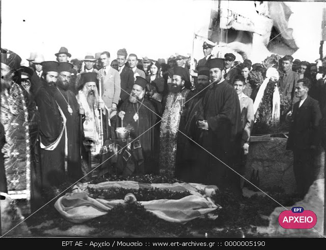 """Επιμνημόσυνη δέηση επί της νήσου Ψυτάλλειας για τους άνδρες που πνίγηκαν στο ναυάγιο """"Αλέξανδρος Ζ."""""""
