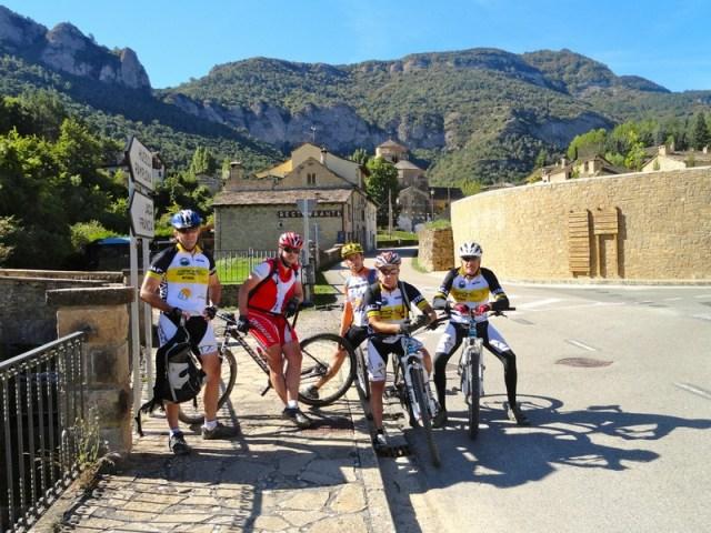 Foto de grupo en Sta. Cruz de la Serós
