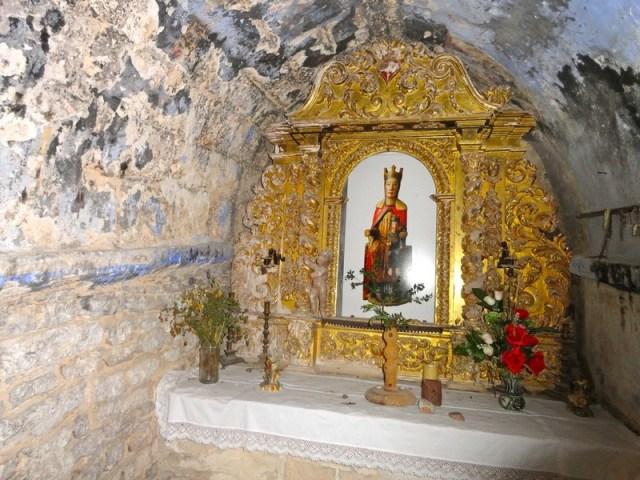Imagen de la Virgen, con el niño