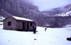 Antiguo refugio, junto a la Cola de Caballo, Ordesa