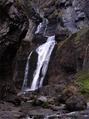 Cascada del Estrecho. Valle de Ordesa