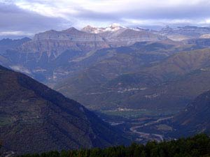 Valle del Ara. Al fondo Ordesa