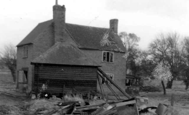 Wrights Farm was puled down in 1965.