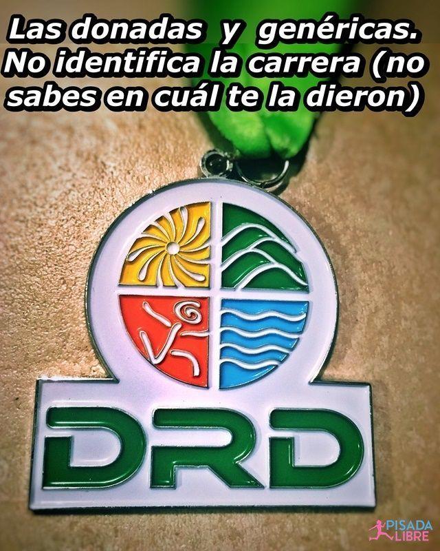 Medalla con logo de Departamento de Recreación y Deportes