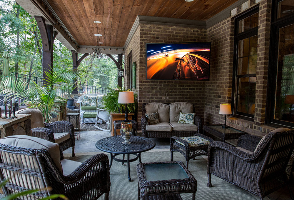 outdoor and backyard home theater setup