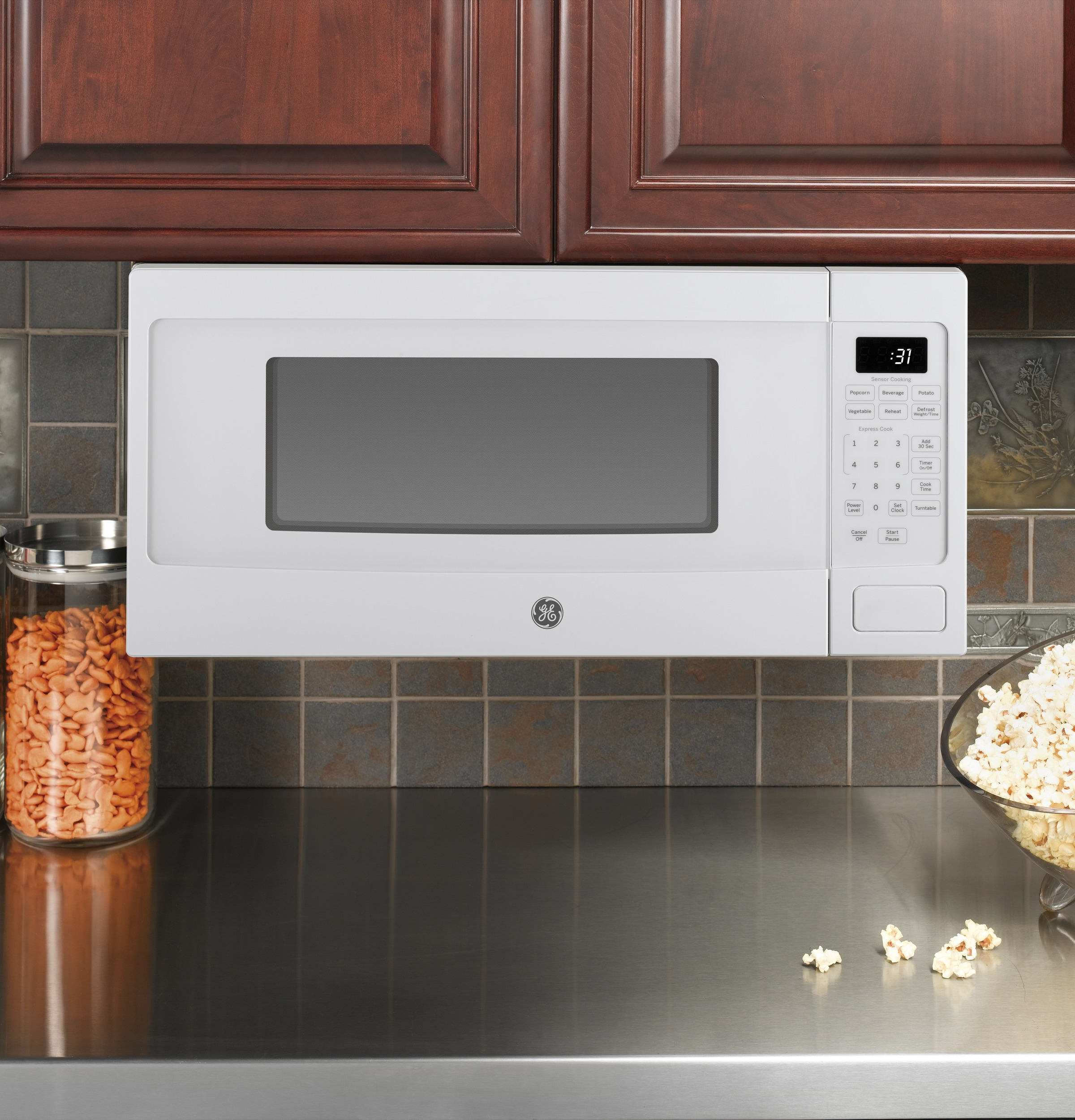 ge profile series 1 1 cu ft mid size microwave white on white