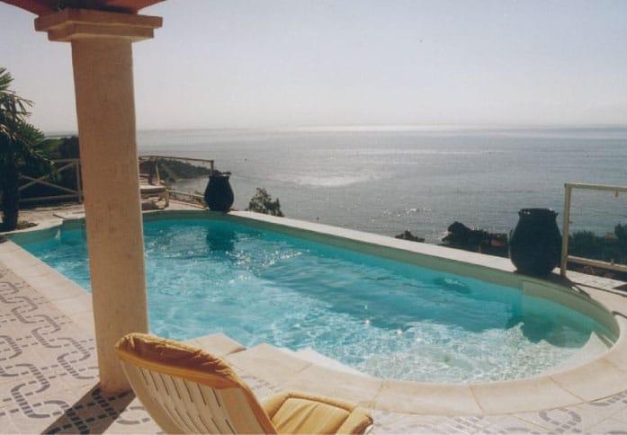 La piscine ovale Aquadiscount
