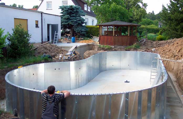 Come costruire una piscina fai da te  Il mondo delle Piscine