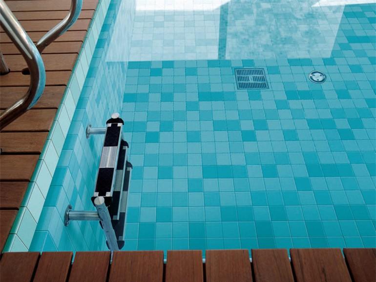 I prezzi delle piastrelle per piscina  Il mondo delle Piscine