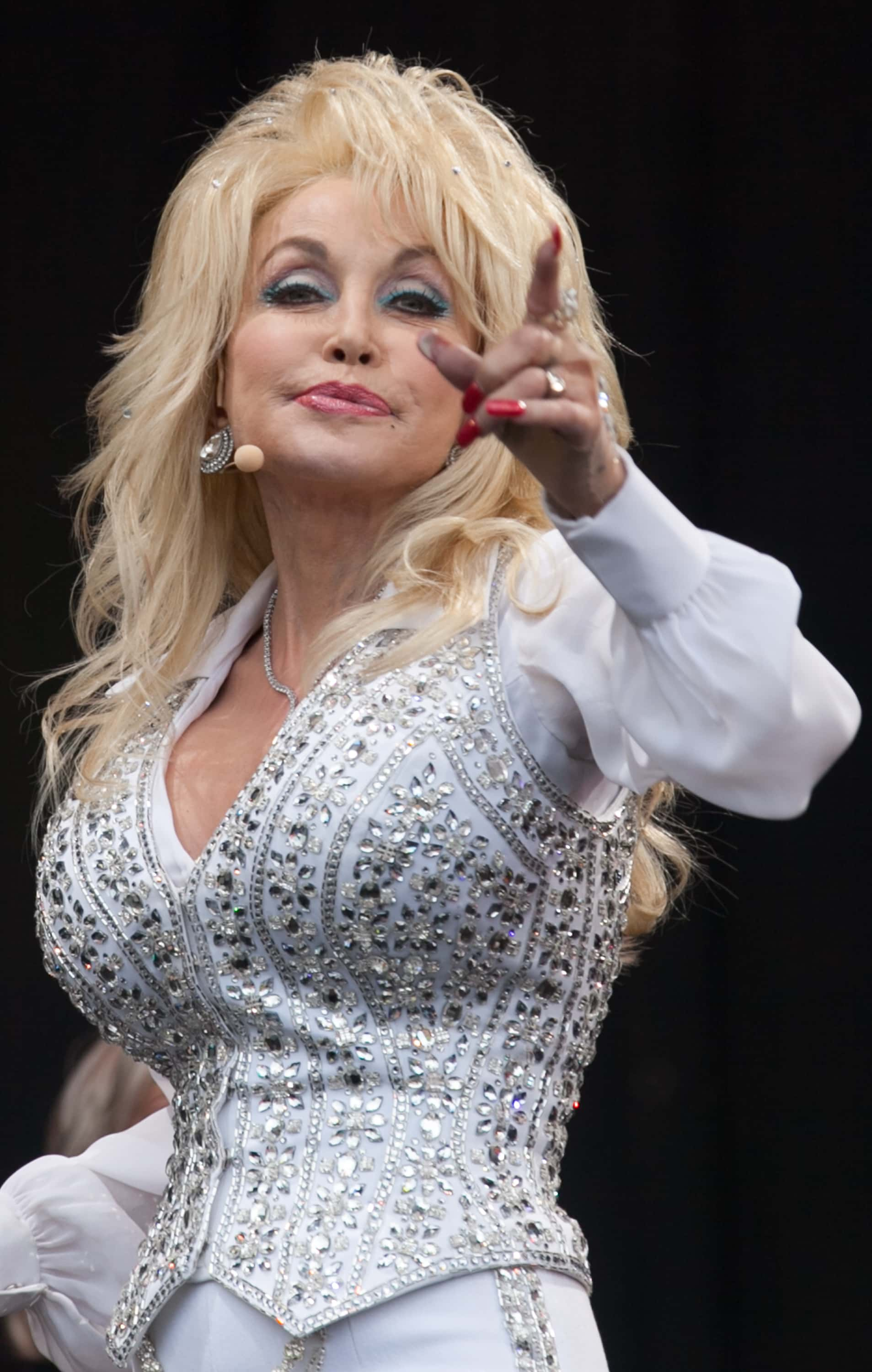 Does Dolly Parton Have Fake Boobs : dolly, parton, boobs, Dolly, Parton, Breast, Implants?, Here's, Singer, Virginia, Twins, 'killing', After, Surgery, MEAWW