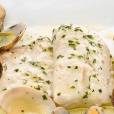 merlusa en salsa, merluza frita, merluza en salsa al pisco, recetas de comida con pisco, recetas con pisco, comida con pisco, pescado con salsa, pescado con salsa al pisco