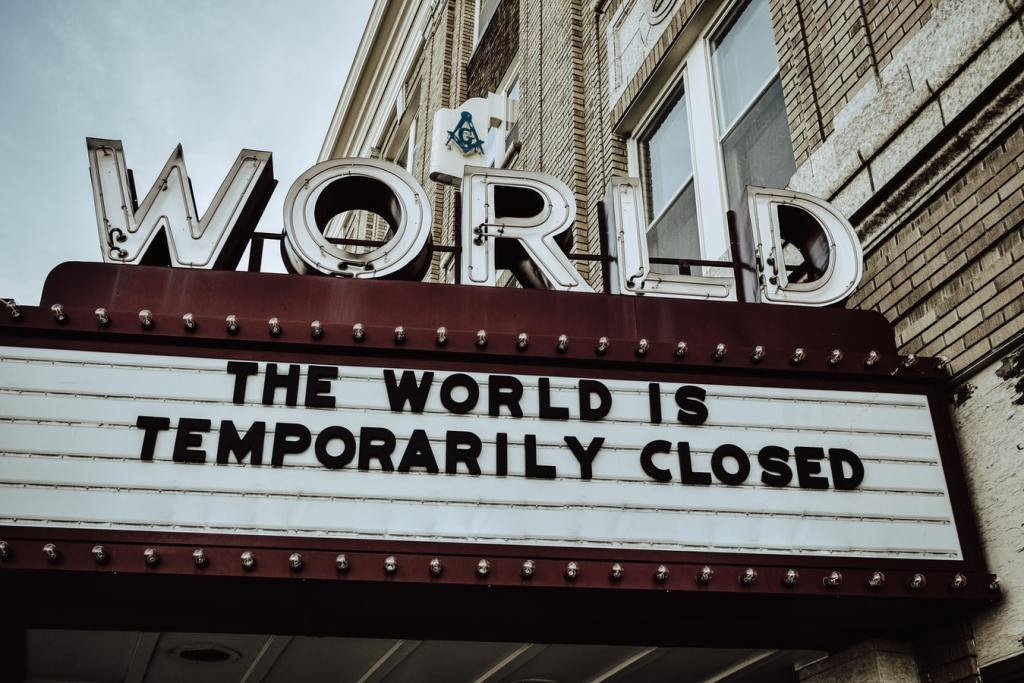 Ekstremistan   THE WORLD IS TEMPORARILY CLOSED