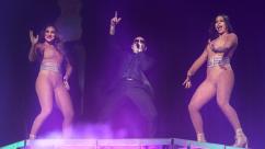 mc-pitbull-performs-at-ppl-20160805-014