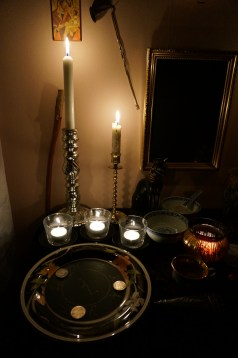 這是Hrayel的儀式。