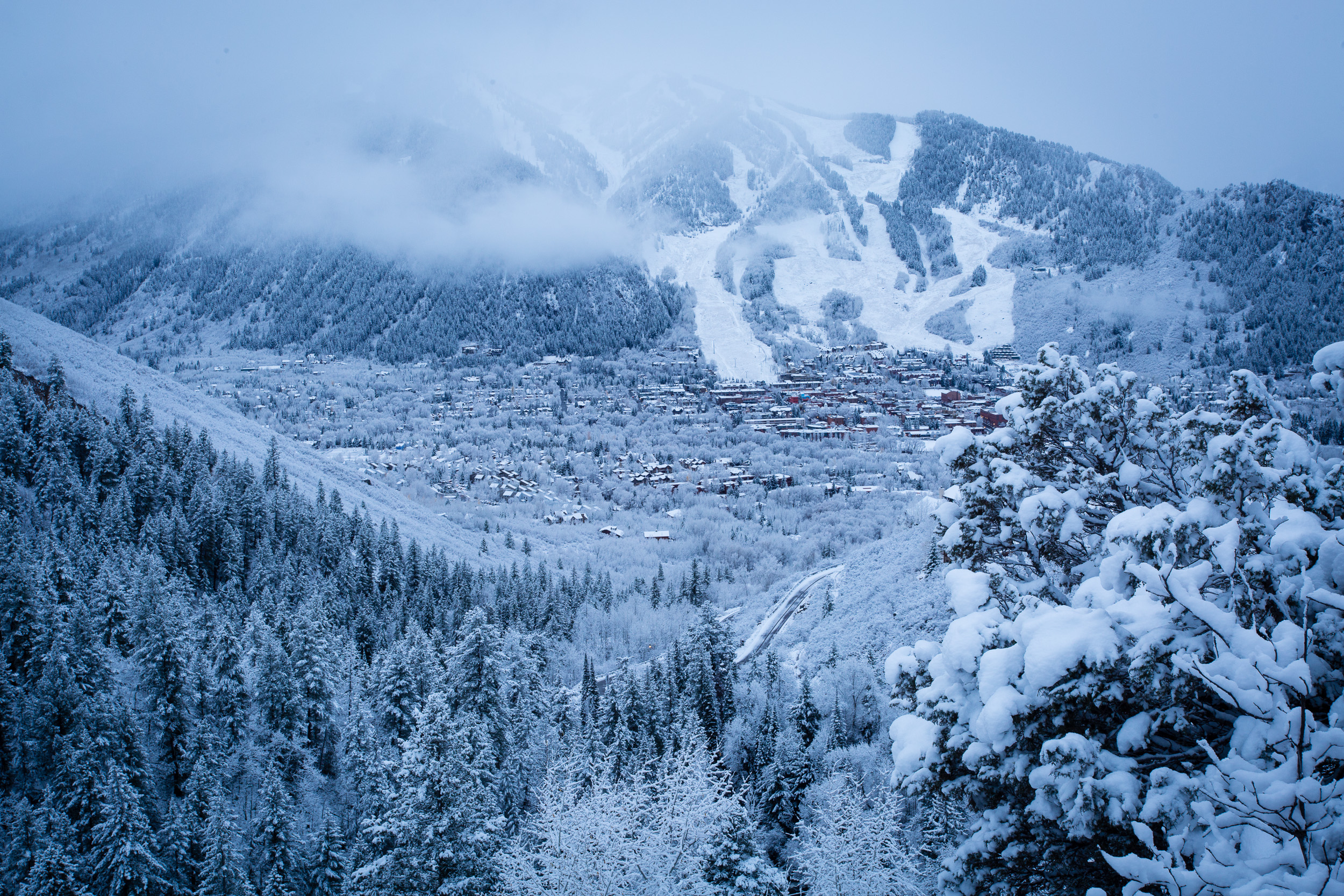 Live Snow Falling Wallpaper For Desktop Snowmaking Operations Combined With Five To Nine Inches Of