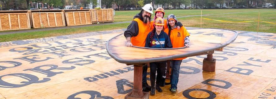 Najveća Ouija tabla na svetu Salem Guiness World Record