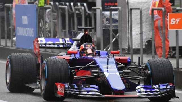 Daniil Kvyat - Toror Rosso - STR12 - Gran Premio de China 2017 - Libres