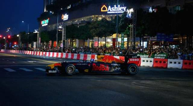 Red Bull - David Coulthard - Vietnam