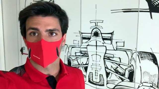 Carlos Sainz prueba por primera vez el Ferrari... en el simulador