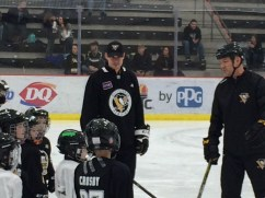 Sidney Crosby and kids. -- SHELLY ANDERSON