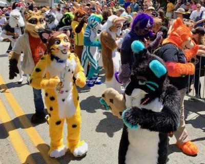 Heavy Petting The Anthrocon Fursuit Parade 2017