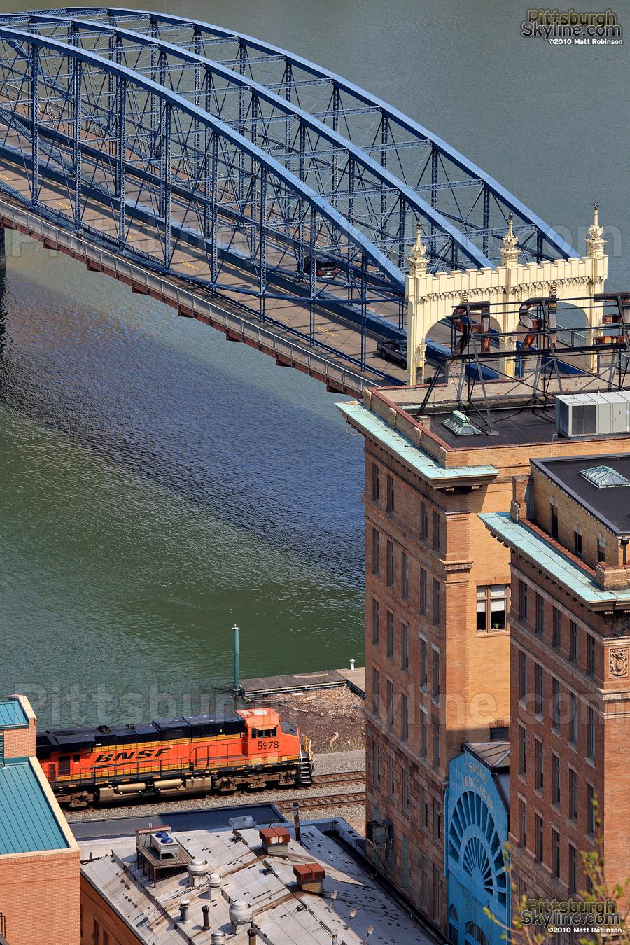 Smithfield Street Bridge and BNSF Locomotive