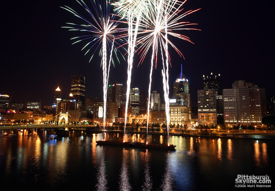 Fireworks night with the Pittsburgh Skyline