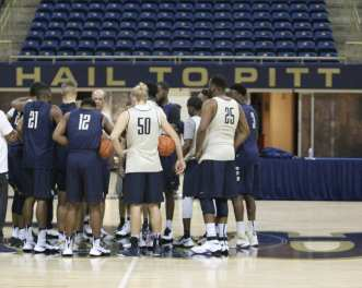 Stallings talks to players before first practice (Photo credit: David Hague)