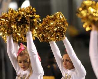 Pitt Cheerleaders October 27, 2016 (Photo credit: David Hague)