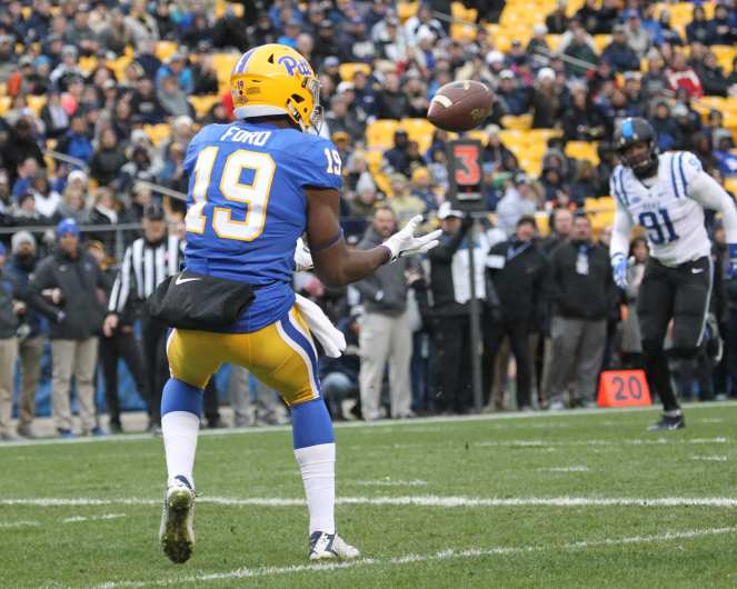 Dontez Ford with the touchdown catch (Photo by: David Hague)