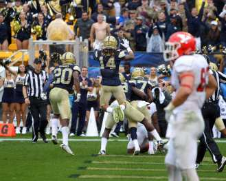 Pitt Defense celebrates interception to seal win September 2, 2017 -- David Hague
