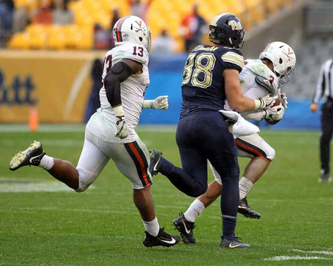 Quin Blanding (3) with the interception October 28, 2017 -- David Hague