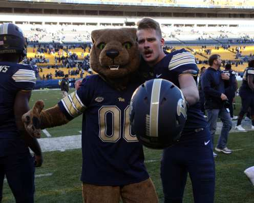 Ian Troost with the Pitt Panther November 24, 2017 -- DAVID HAGUE/PSN