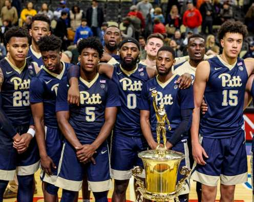 Pitt celebrates winning the City Game at PPG Paints Arena December 1, 2017 -- DAVID HAGUE