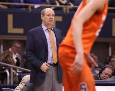 Pitt coach Kevin Stallings looks on as his Panthers take on Syracuse on January 27, 2018 -- DAVID HAGUE