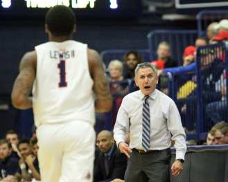Duquesne Coach Keith Dambrot yells at Mike Lewis II (2) December 5, 2018 -- David Hague/PSN
