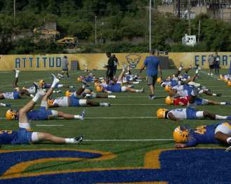 Pitt football stretching August 2, 2019 -- Photo by David Hague/PSN