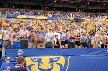 Pitt Student Section September 21, 2019 -- David Hague/PSN