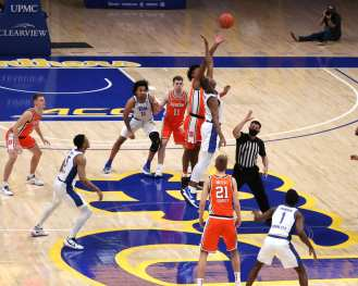 Pitt and Syracuse Tip off January 16, 2021 Photo by David Hague/PSN