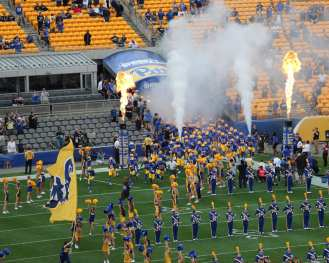 Pitt takes the field against Ohio September 7, 2019 Photo By David Hague/PSN