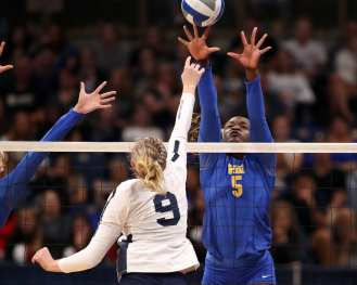 Chinaza Ndee (5) for Pitt Volleyball September 22, 2019 -- David Hague/PSN