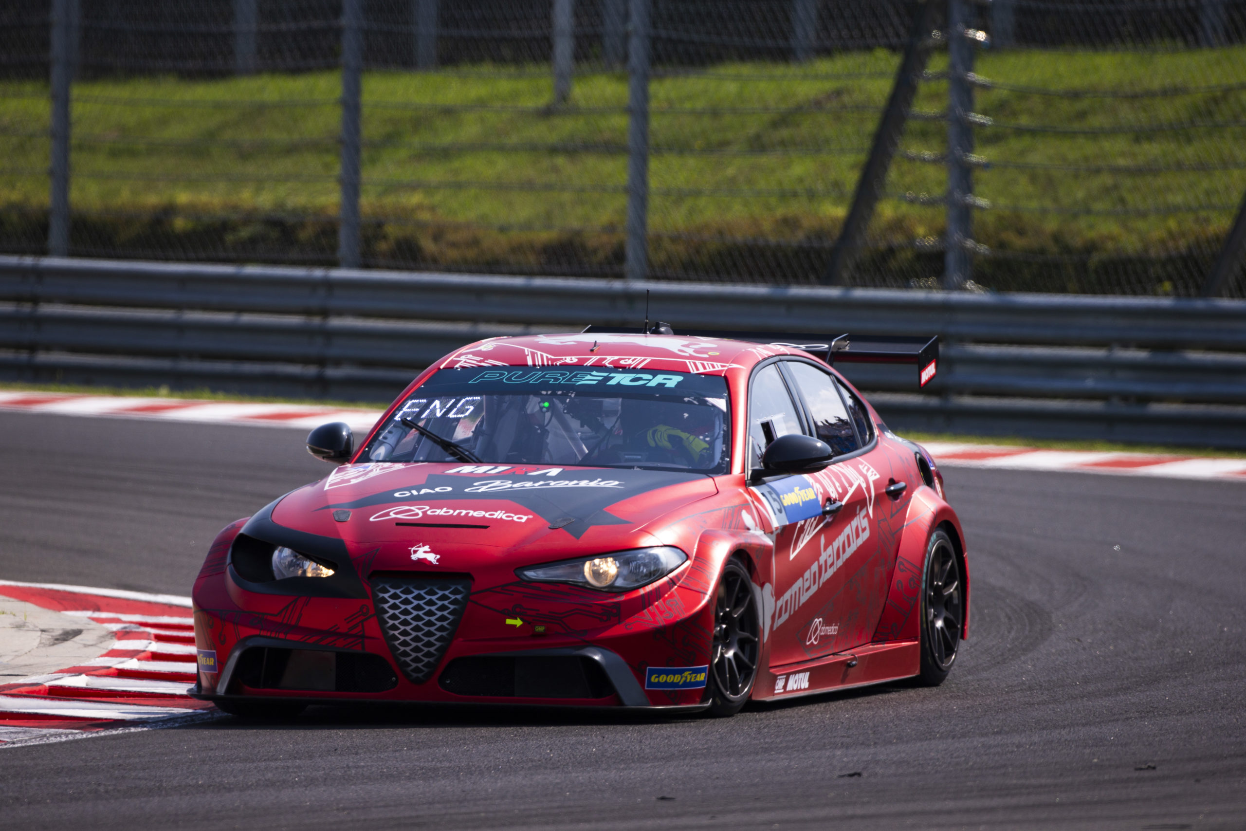 Philipp Eng - Romeo Ferraris - Hungría - PURE ETCR 2021