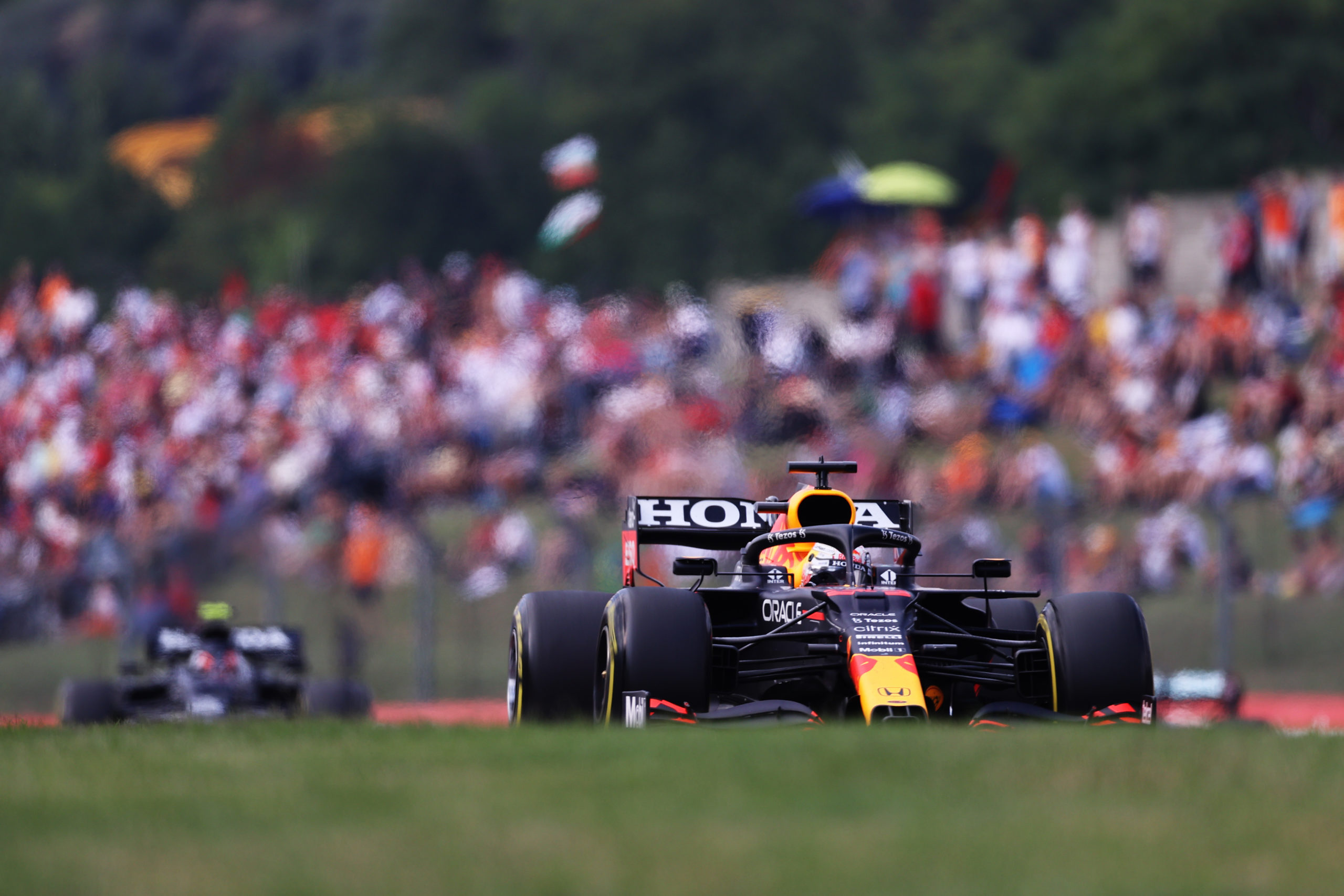BUDAPEST, HUNGARY - AUGUST 01: Max Verstappen of the Netherlands driving the (33) Red Bull Racing RB16B Honda during the F1 Grand Prix of Hungary at Hungaroring on August 01, 2021 in Budapest, Hungary. (Photo by Lars Baron/Getty Images) // Getty Images / Red Bull Content Pool  // SI202108010311 // Usage for editorial use only //