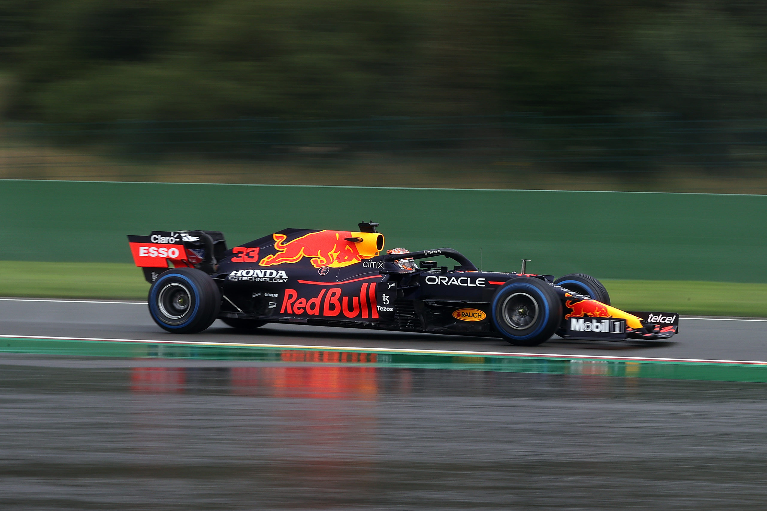 SPA, BELGIUM - AUGUST 28: Max Verstappen of the Netherlands driving the (33) Red Bull Racing RB16B Honda during qualifying ahead of the F1 Grand Prix of Belgium at Circuit de Spa-Francorchamps on August 28, 2021 in Spa, Belgium. (Photo by Lars Baron/Getty Images) // Getty Images / Red Bull Content Pool  // SI202108280371 // Usage for editorial use only //
