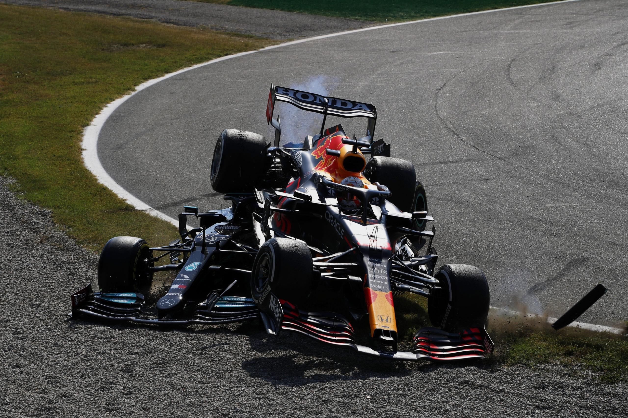Lewis Hamilton and Max Verstappen, Mercedes, 2021 Italian Grand Prix, Sunday - LAT Images